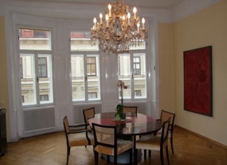 Dining room / Esszimmer