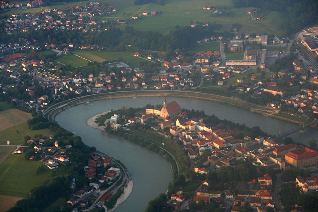 Oberndorf, Austria (outside the bending river) and Laufen, Germany (inside the bending river)