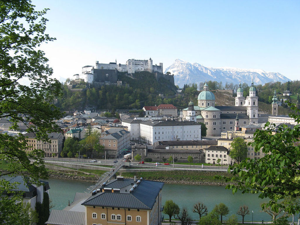Salzburg: Panoramic view from Kapuzinerberg