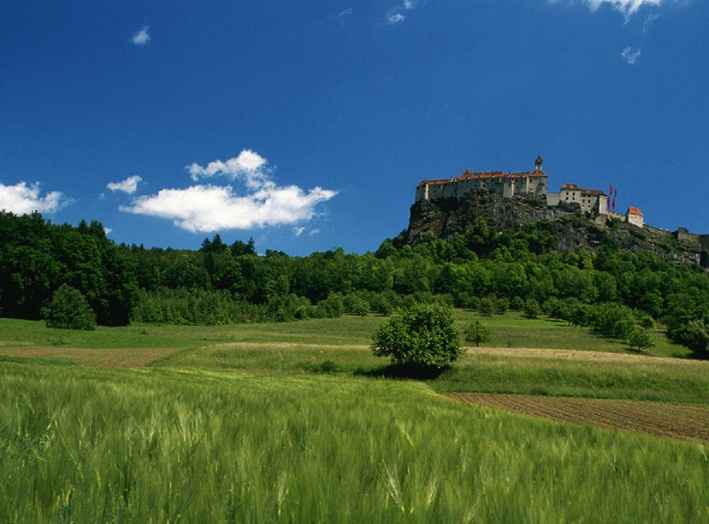 castle Riegersburg (30km)