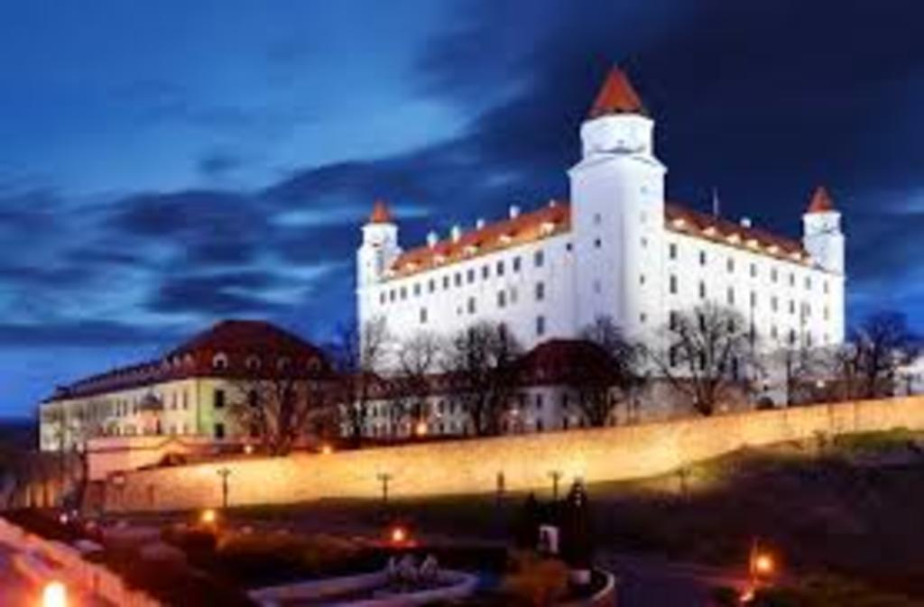"Slowakias capital ""Bratislava"" in 1h drive"