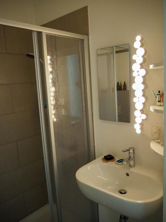 bath room (2)