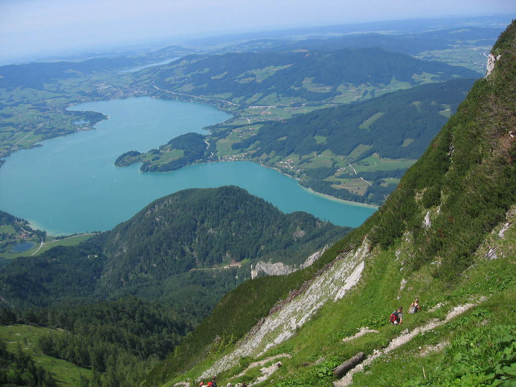 Hiking is very popular (Schafberg by public transport)