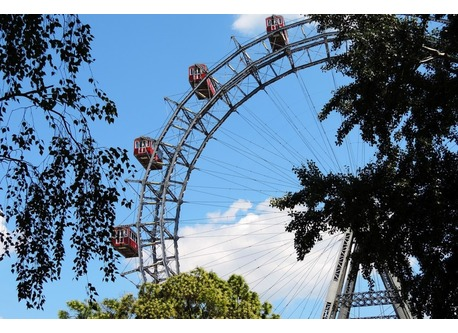 The Riesenrad and the Prater - only 10 min away!