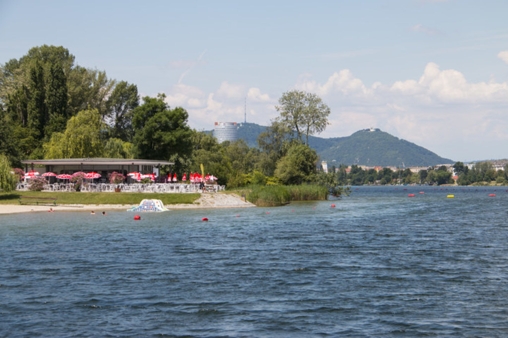 "public pool in Vienna ""Bundessportbad Alte Donau"""