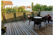 Green oasis in the center of Vienna!  Large, light-filled, modern flat.