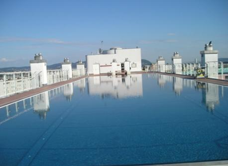 Pool on the roof - with big sunny decks