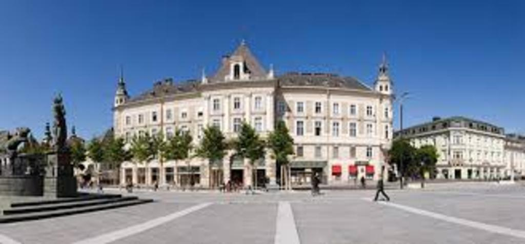 Klagenfurt - main square