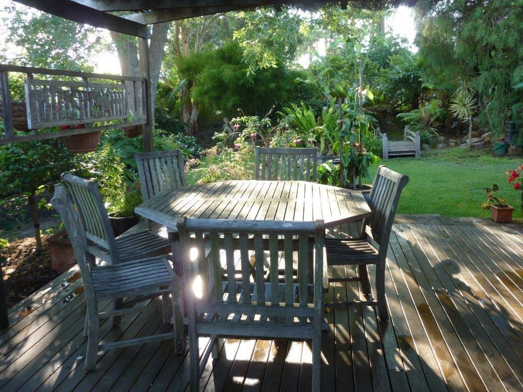 Deck & Rear Garden
