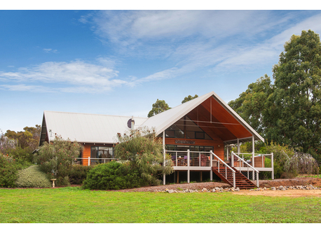 Margaret River property set on 5 acres and close to beach and town