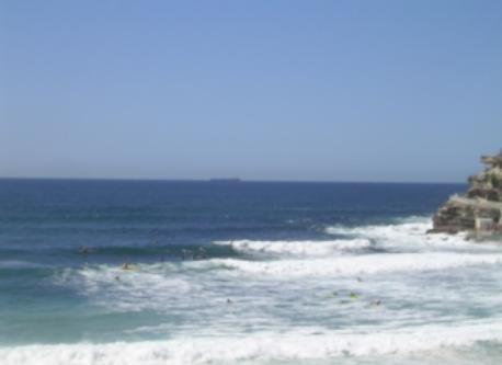 Bronte Beach 1 km, 20 mins walk