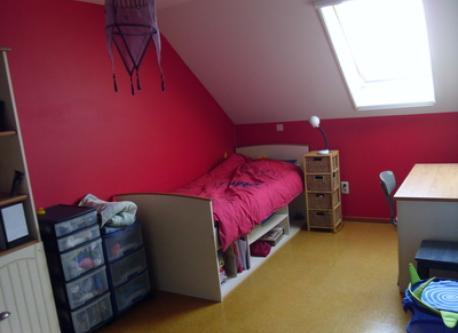 bedroom (single bed)