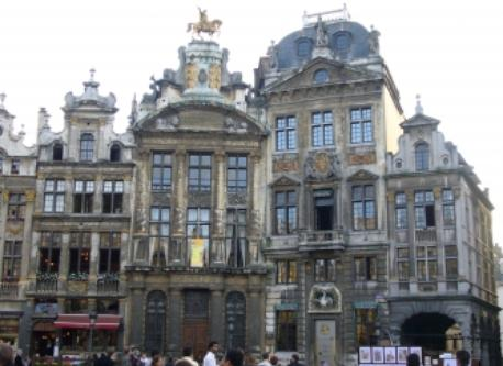 Grand Place : https://visit.brussels/en/article/brussels-unesco-sites