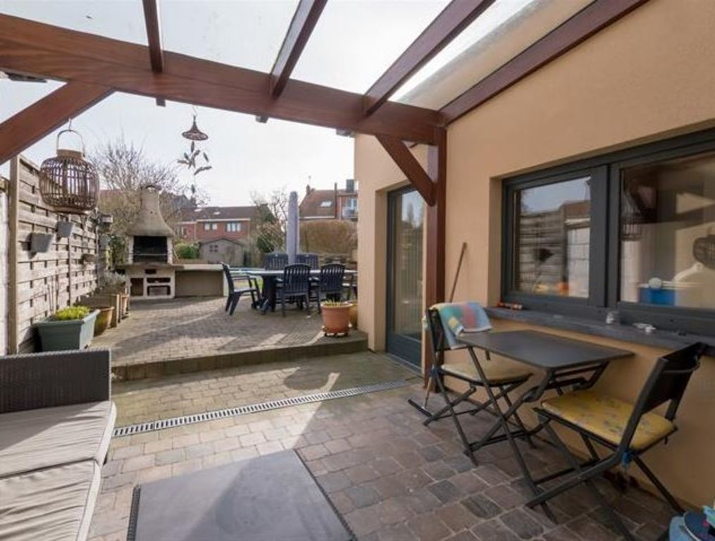 covered terrace / terrasse couverte