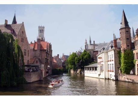 pittoresk town center of Brugge (Bruges)