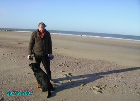 Beach-walk: Willy with Max (+27/1/2012)
