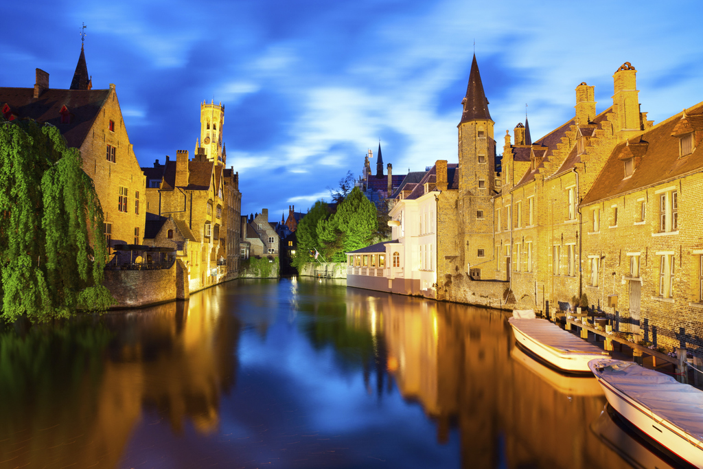 Bruges, 15 min by train or car
