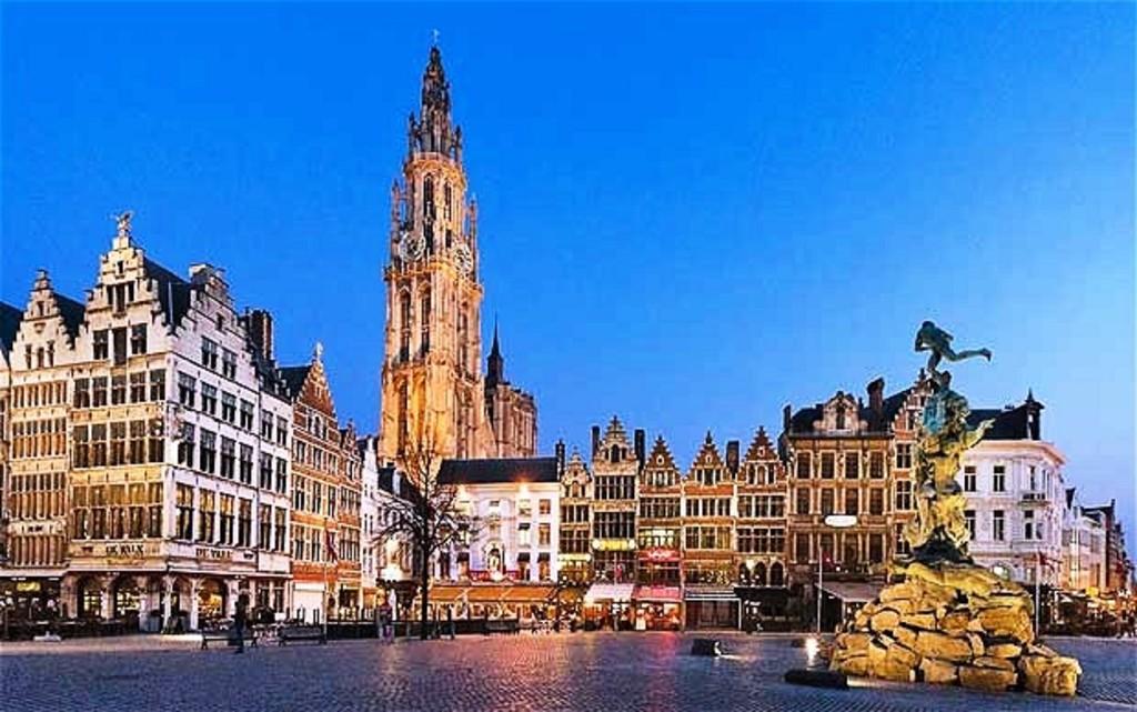 Antwerp 30min