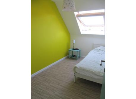'yellow' sleeping room