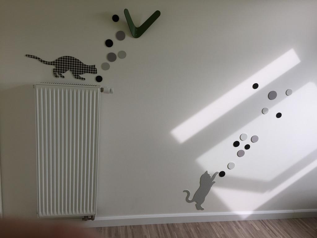 wall in 'green' sleeping room (1p) 2015