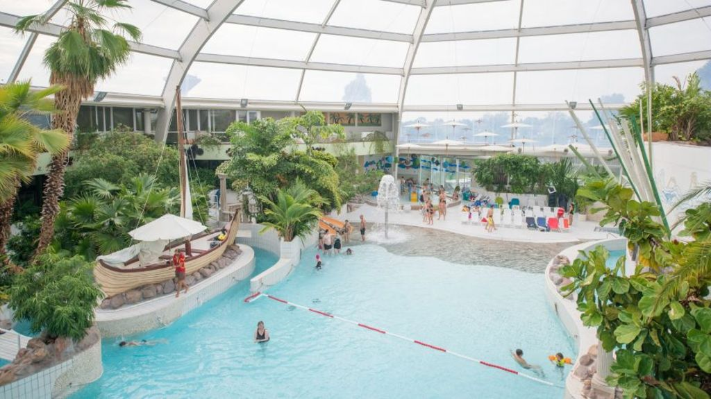 sunparks 12km indoor subtropic swimpool
