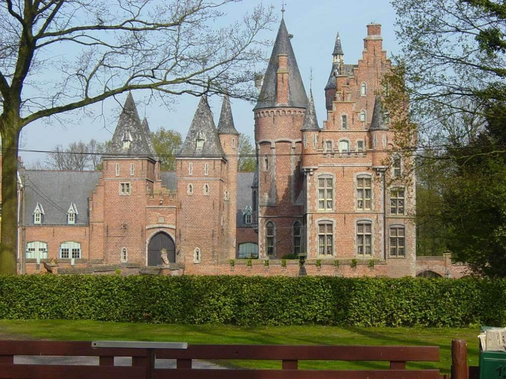 Castle in Lovendegem - one of the many (!!) castles in Flanders