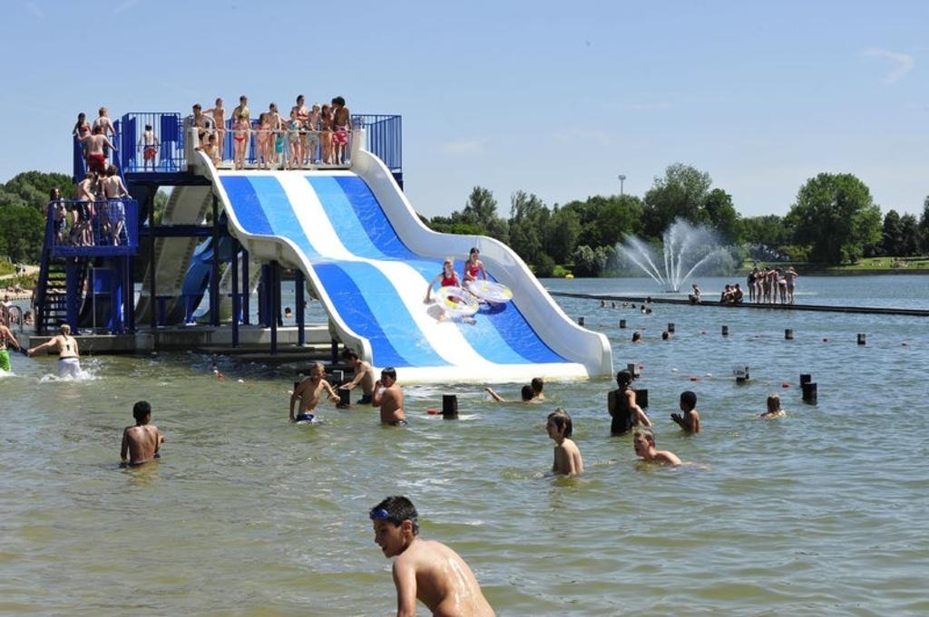 De Blaarmeersen, Swimming