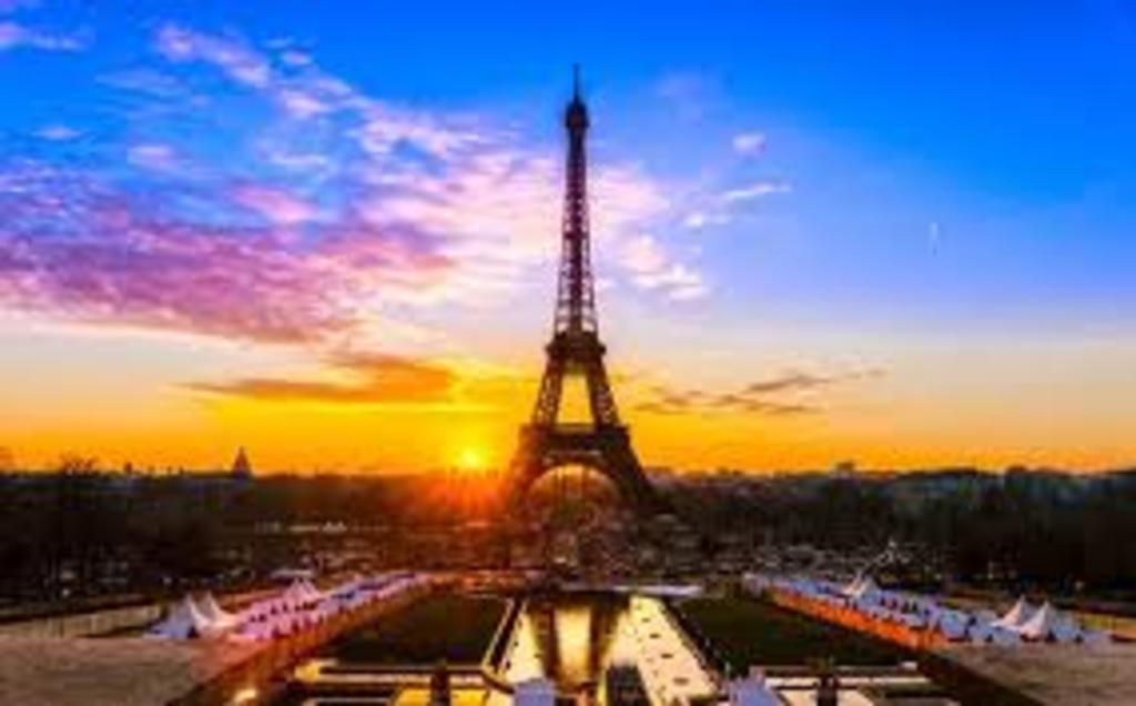 Paris, 3h45 de voiture.