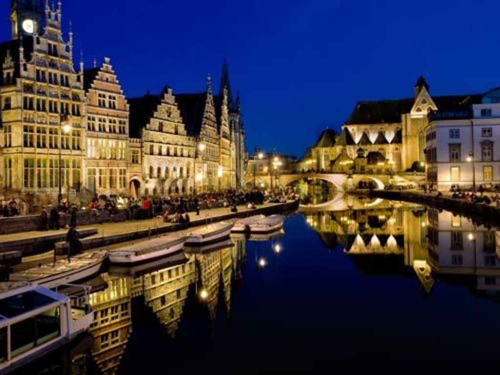 Ghent by night - 20 min from our house