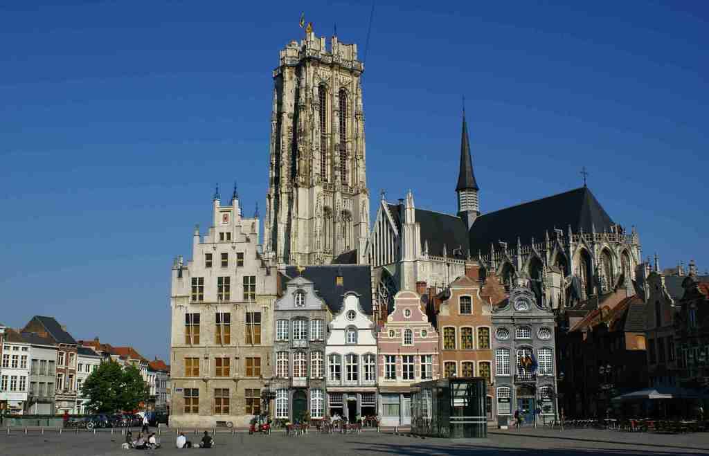 Mechelen (20 min drive)