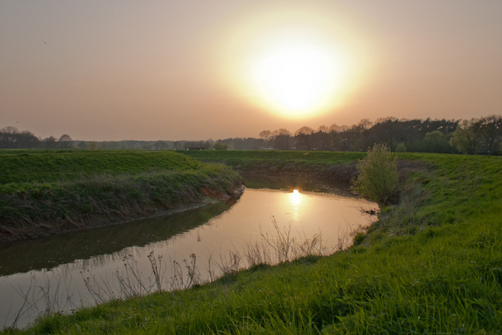 the river 'de Dijle' by sunset, 5 minutes walk
