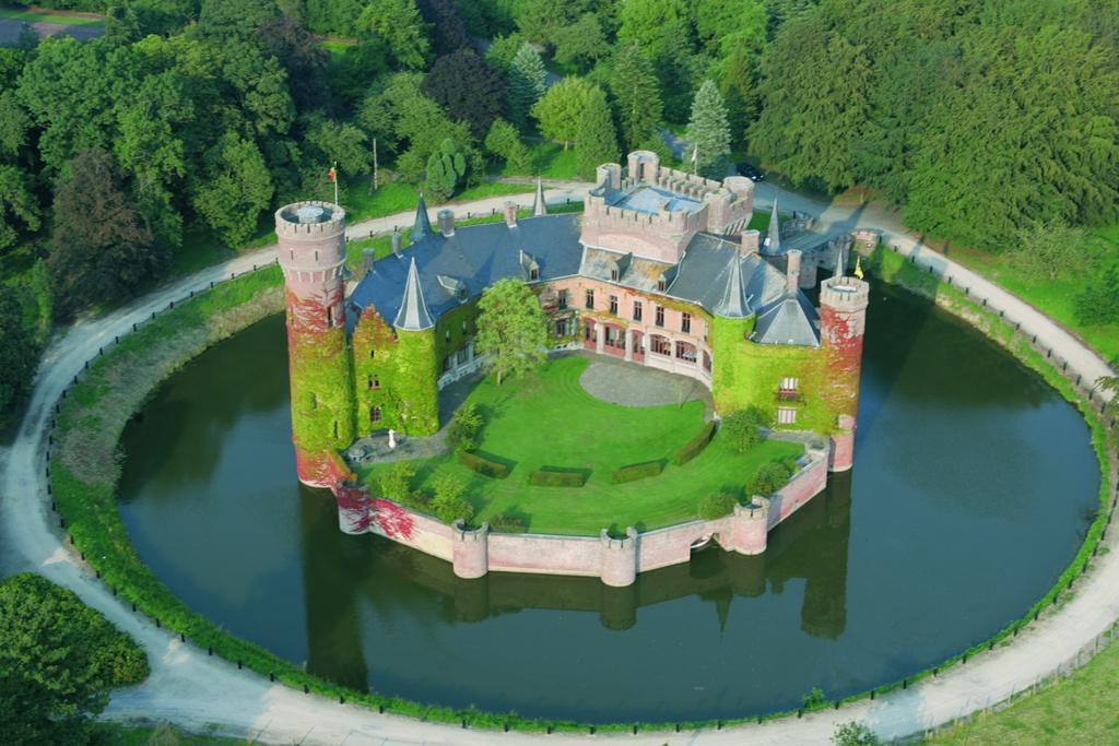 The castle of Wynendale (Torhout)