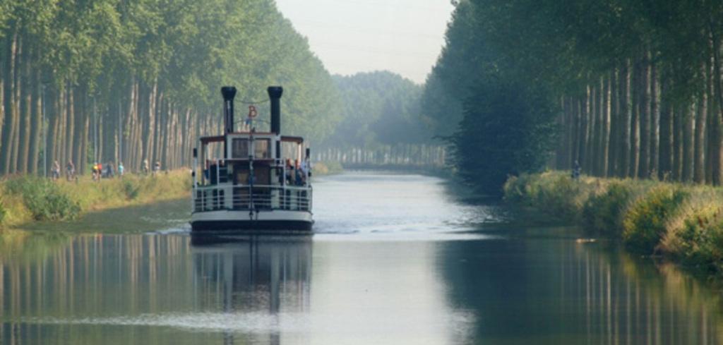 Boat from Bruges to Sluis