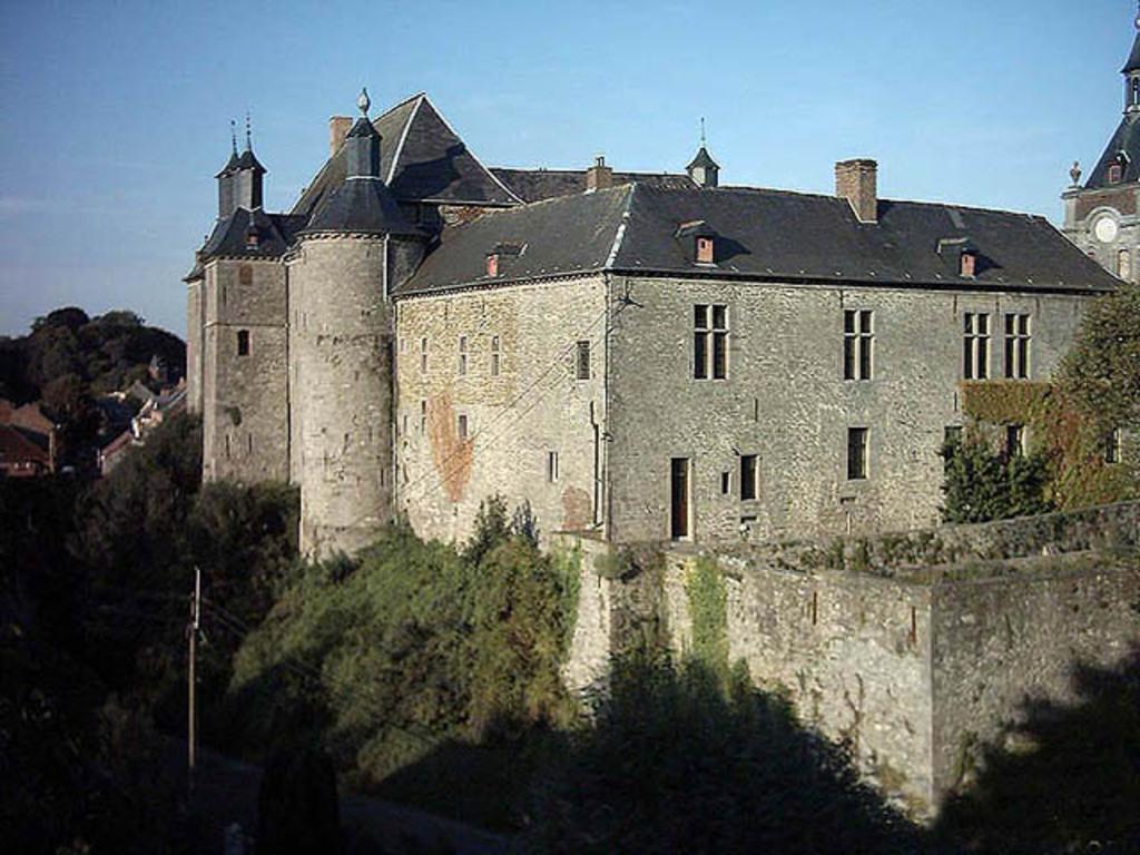 Château d'Ecaussines (20 min)