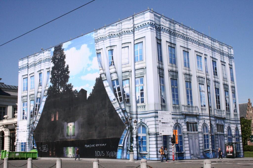 Musée Magritte Brussels 24,5km