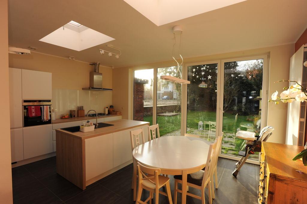 Dining + kitchen area