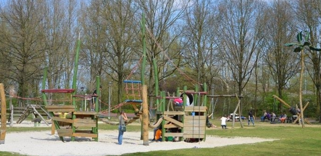 Playground in Breeven (free!)