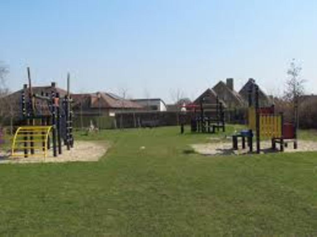 Gavers Harelbeke: playground 15' by car