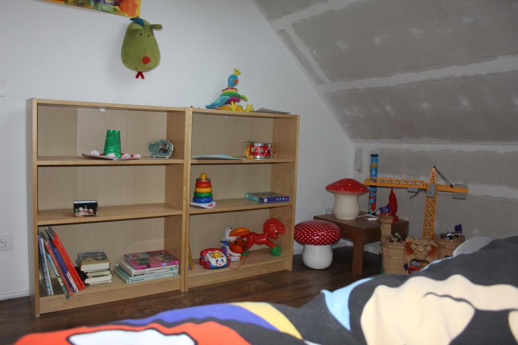 bedroom of Mon