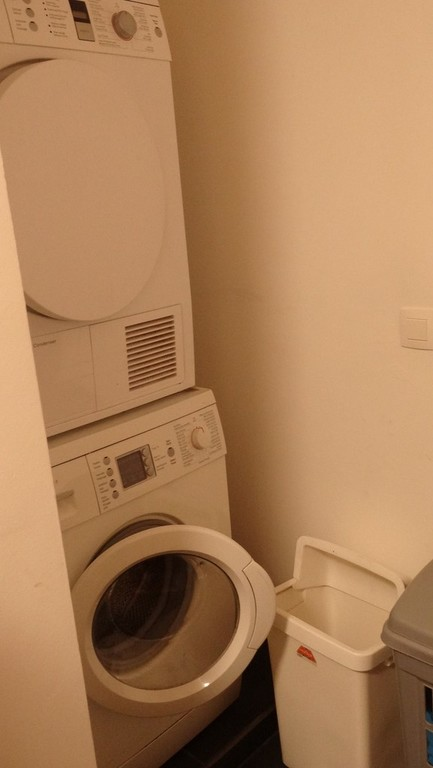 Little room near to the kitchen for washing and drying