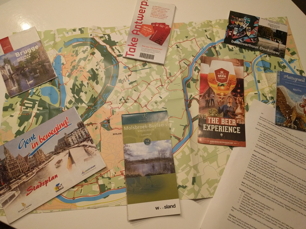 Walk and bike routes, city maps and other tourist info ready for you. We love to help you out with tourist info!