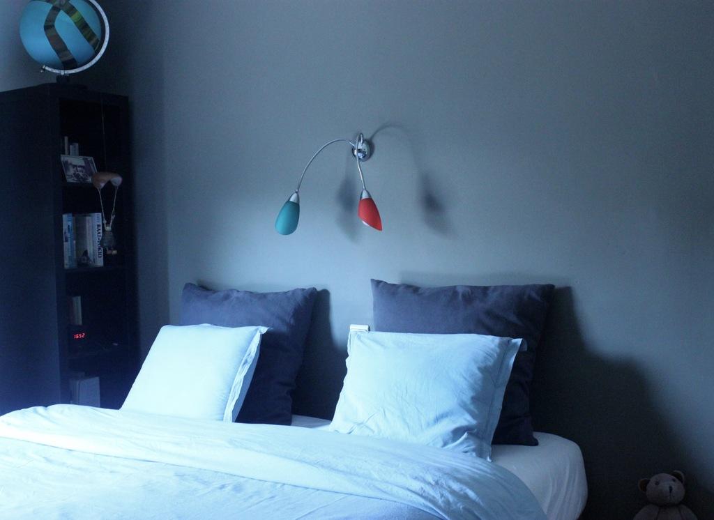 bedroom 1 (mattress: 180cm x 200cm)