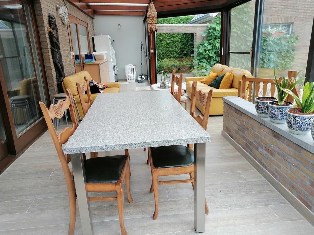 the porch (de varanda)