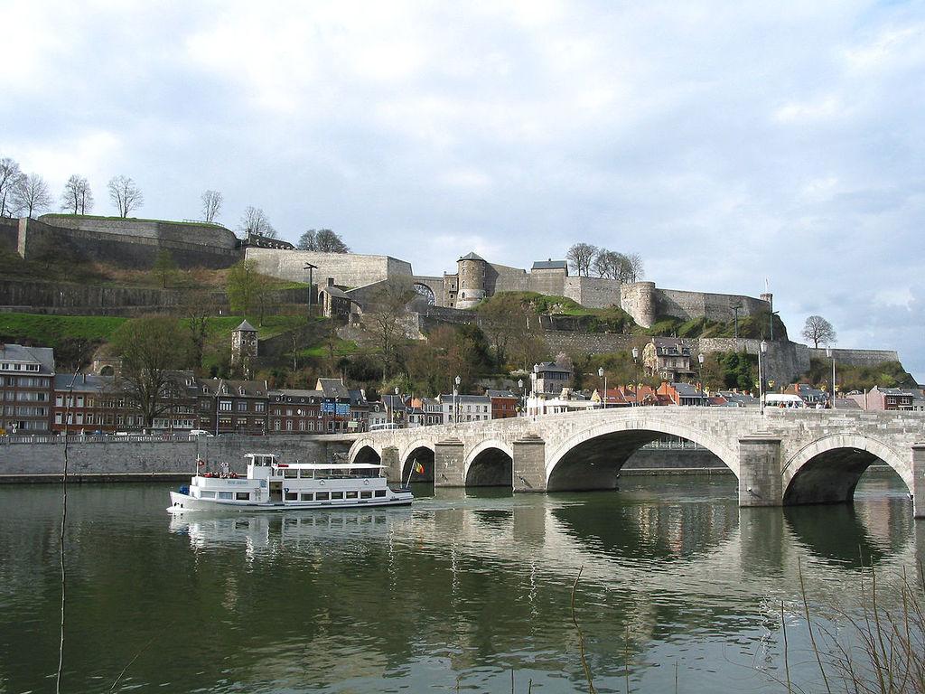 Namur (30 min)
