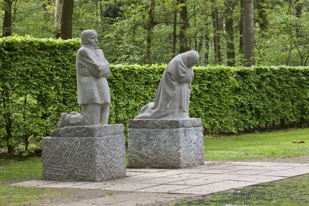 One of the military cimetaries in Flandres (Vladslo) with the famous statues by Kathe Kollwitz