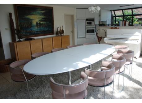 Dining room 12-14 seats