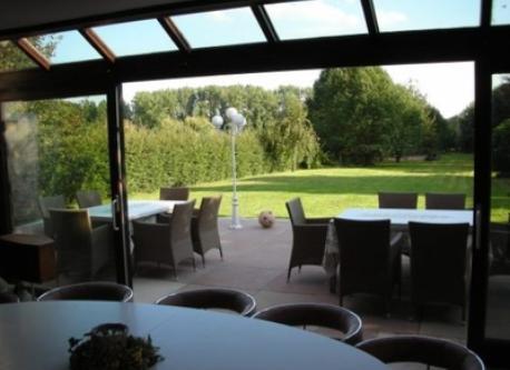 Terrace 12 seats