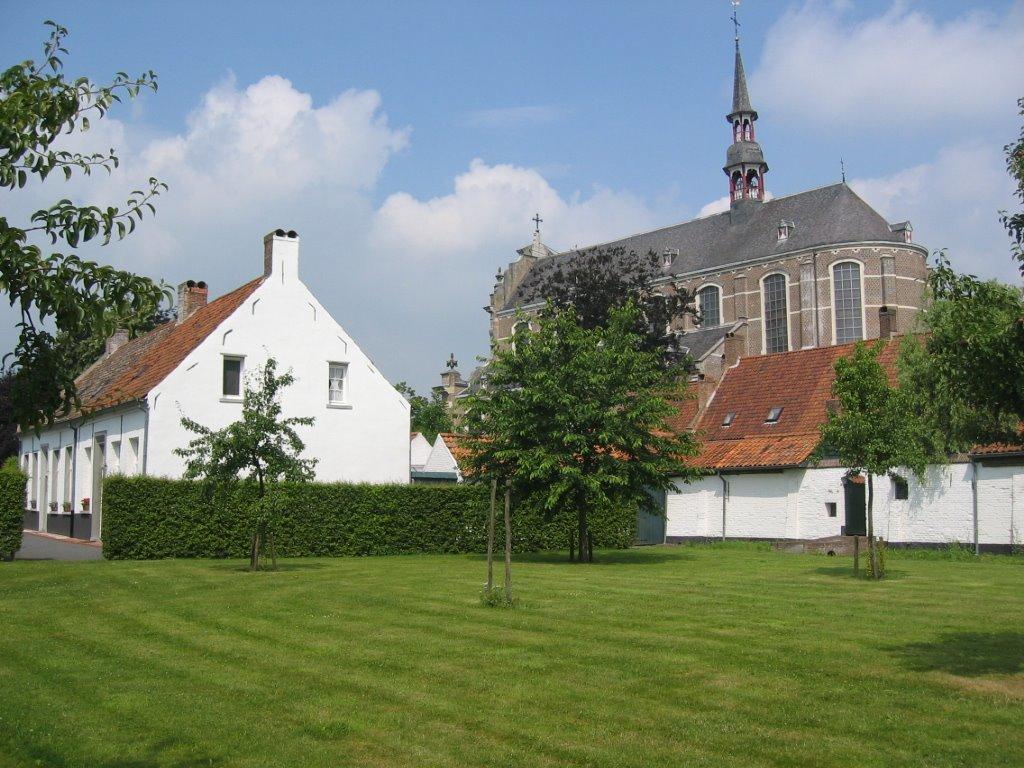 De begijnhofkerk in Hoogstraten