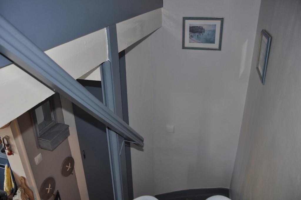 cage escalier (premier niveau vers chambres)