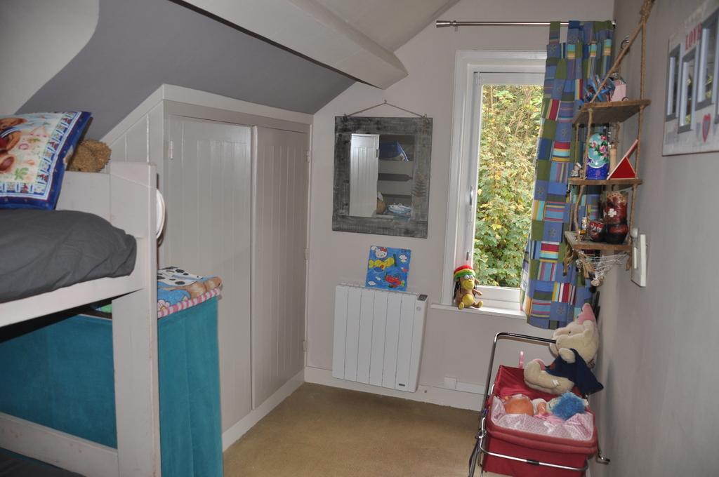 chambre lits superposés (étage) + 1 lit d'appoint